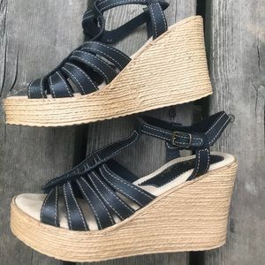 Sbicca Wedge Strappy Sandal size 8 cute!!
